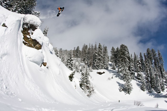 Snowboard-Photo-Bode-Merrill-Absinthe-by-Aaron-Dodds