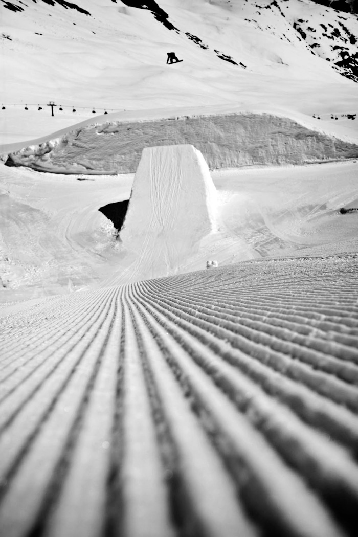 Snowboard-Photo-Tyler-Chorlton-Frontside-720-Soelden-by-Matt-Georges