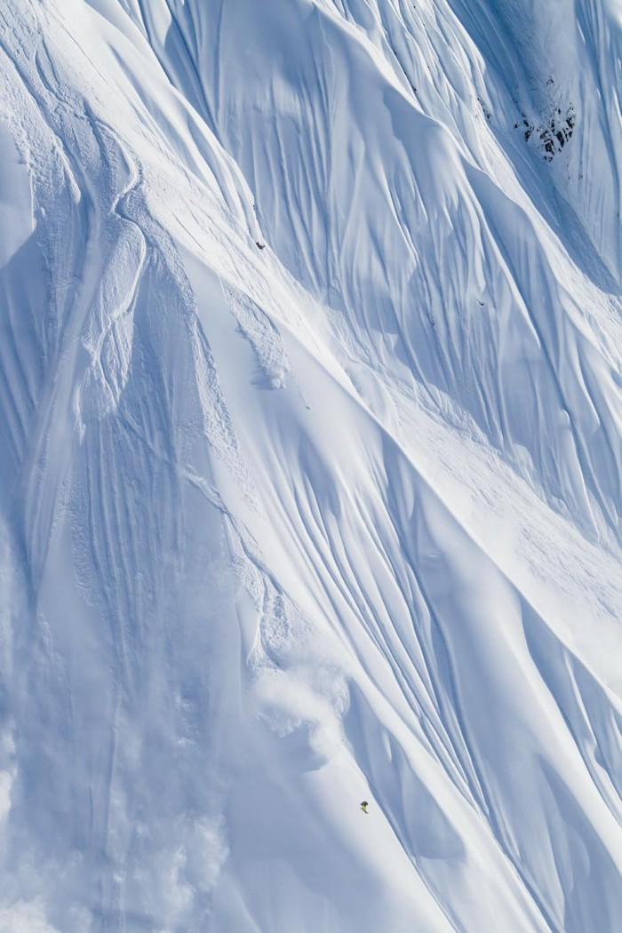 Snowboard-Photo-Travis-Rice-Powder-Girdwood-Alaska-by-Scott-Serfas