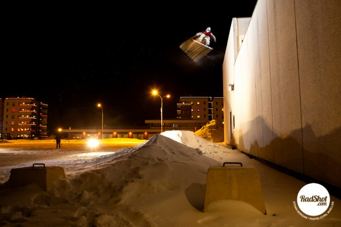 Snowboard-Photo-Ethan-Morgan-Roof-Drop-Iceland-by-Cyril-Mueller