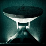 Snowboard-Photo-Satellite-Dish-Red-Bull-Illume-Lorenz-Holder-Xaver-Hoffmann