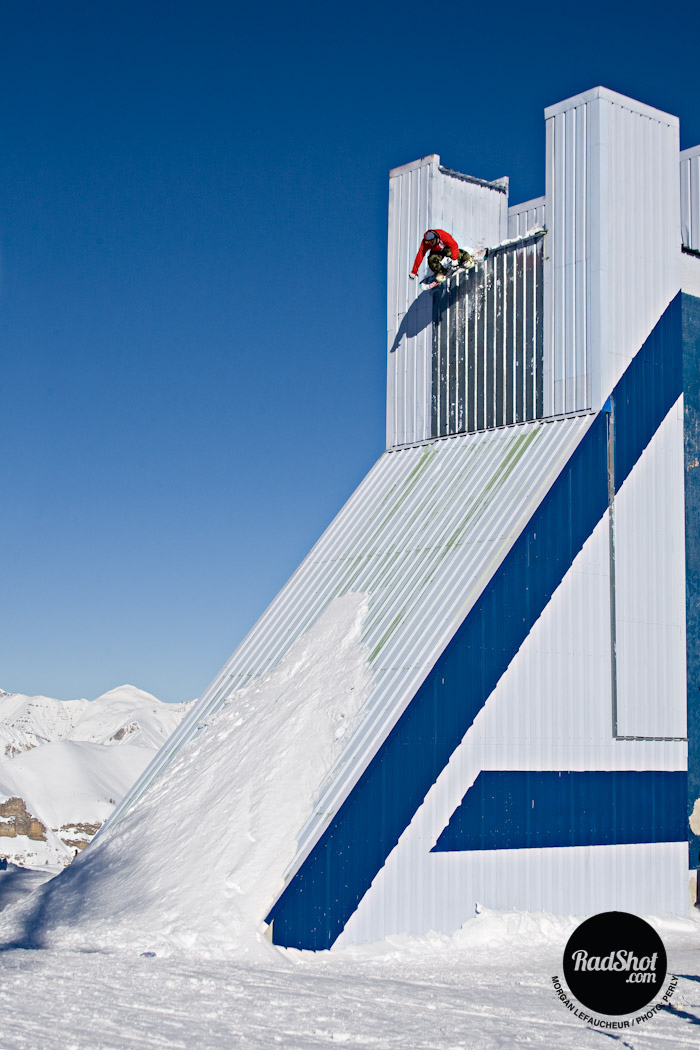 Snowboard-Photo-Morgan-Lefaucheur-Bomb-Drop-Auron-by-Julien-Petry