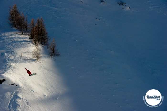Snowboard-Photo-Fredi-Kalbermatten-Method-Courmayeur-by-Ahriel-Povich
