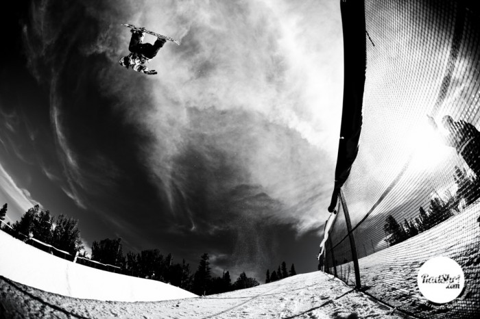Snowboard-Photo-Shaun-White-Method-Mammoth-by-Gabe-LHeureux