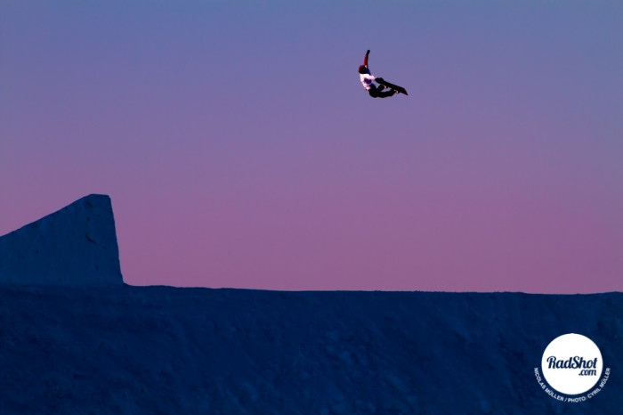 Snowboard-Photo-Nicolas-Muller-Sunset-Jump-Norway-by-Cyril-Mueller